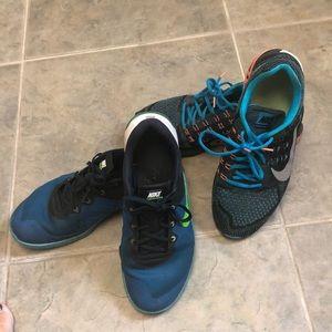 2 pairs of men's Nike